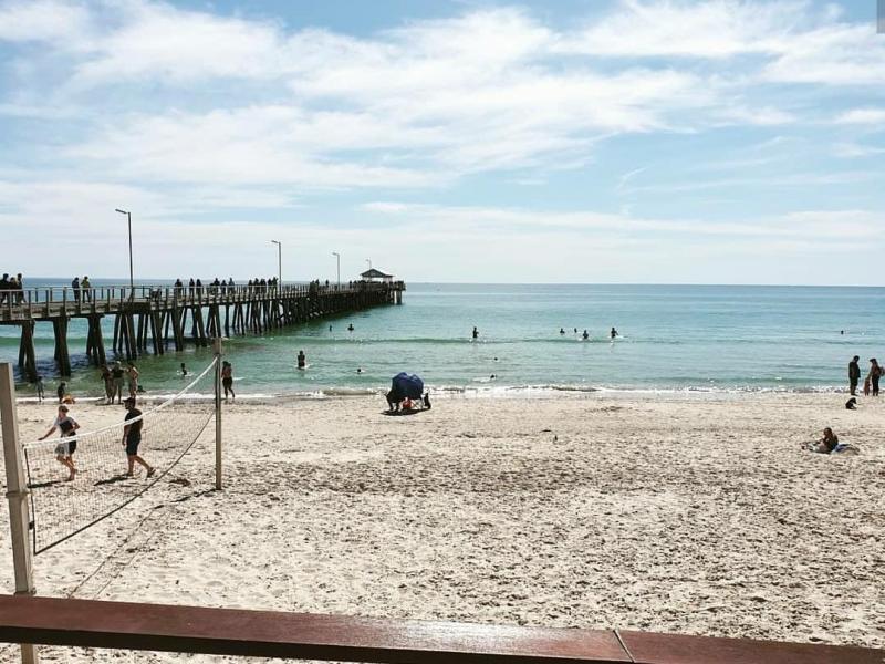 Henley Beach - only 3 minute walk