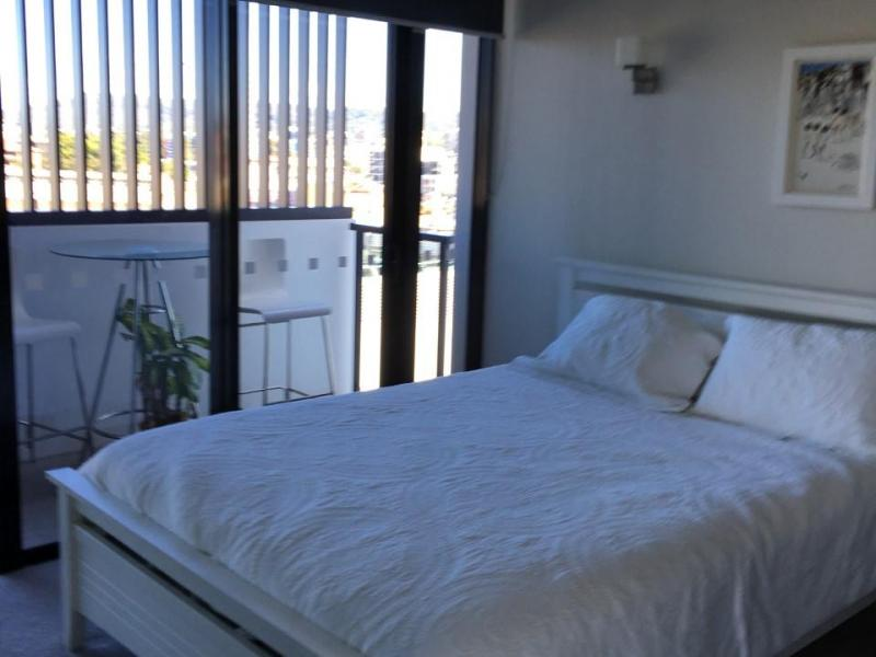 CLEAN SPACIOUS BEDROOM WITH VIEW AND OWN BATHROOM