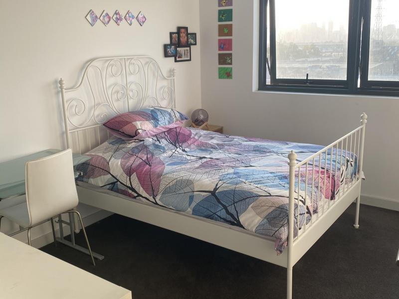 City bedroom bed