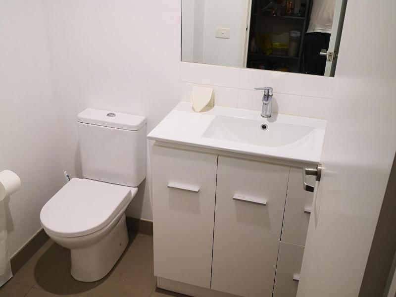 indepent toilet for guest