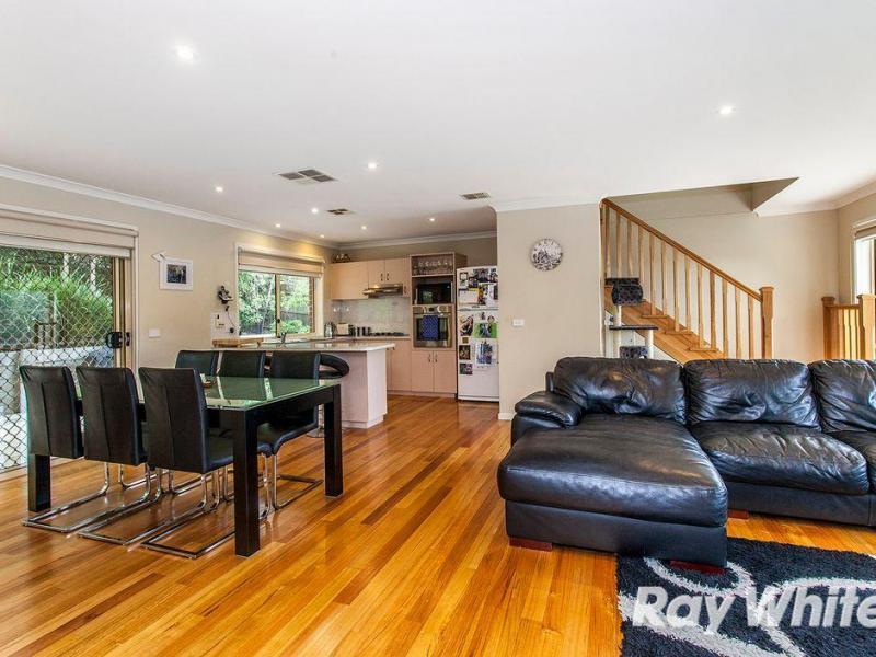 Downstairs lounge kitchen
