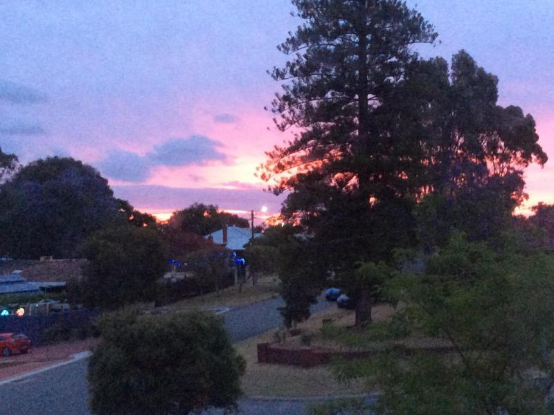 A Bassendean Sunset