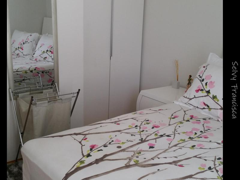 Queen size bed, study table and light, bedside table and lamp, built in wardrobe, Internet included