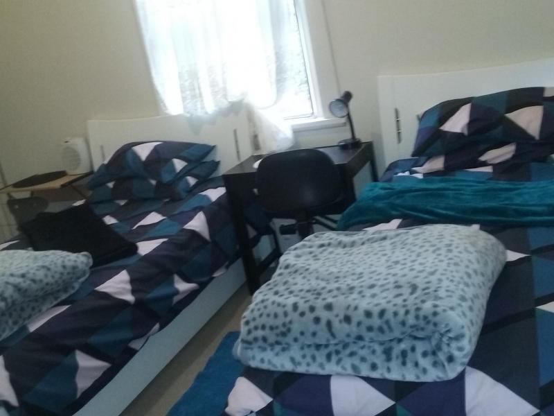 twin share room