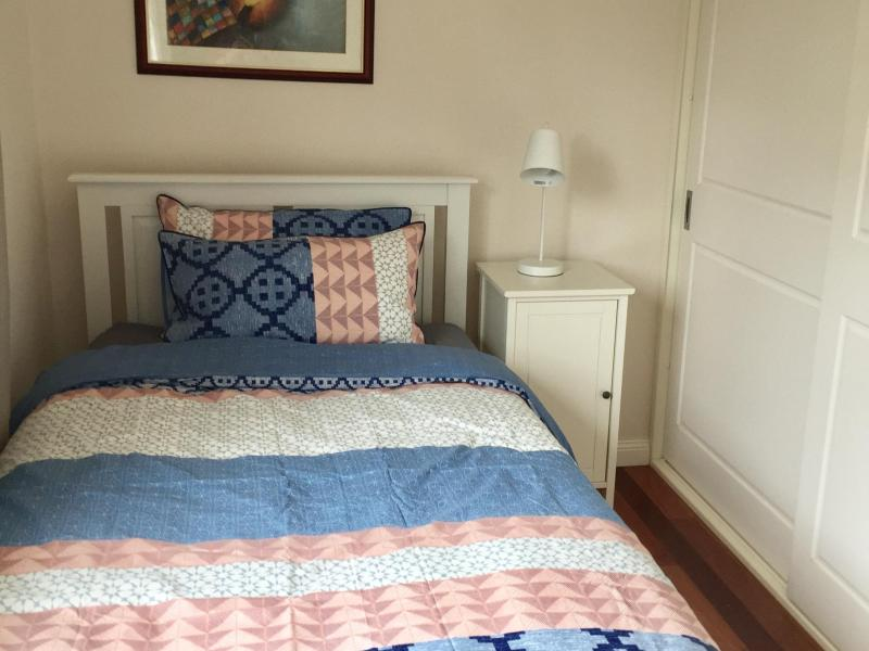 King Single Bed Room