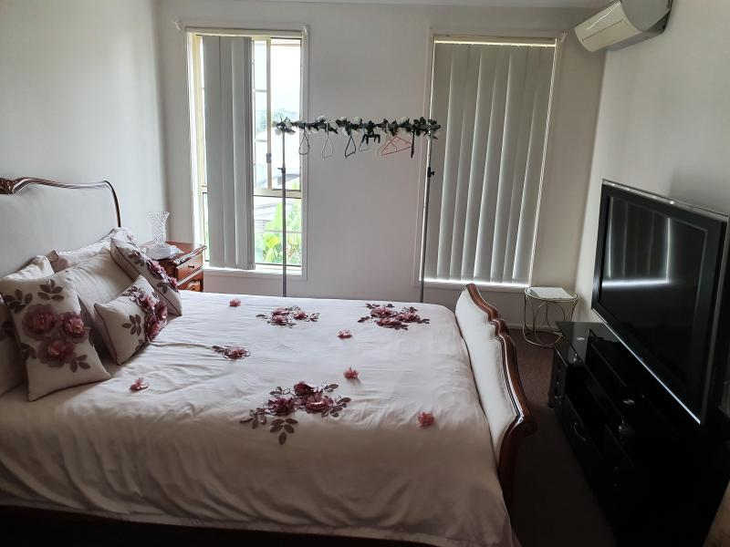 Double bedroom that includes walkin wardrobe and ensuite
