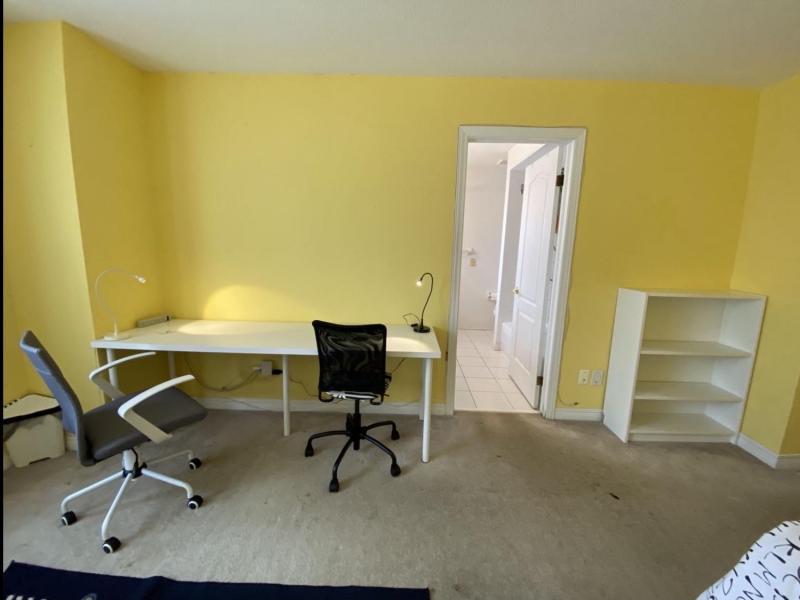 Master Bedroom Suite - Double Desk