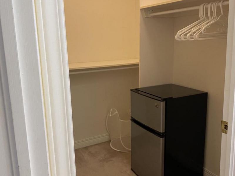 Master Bedroom Suite - Walk-in Closet