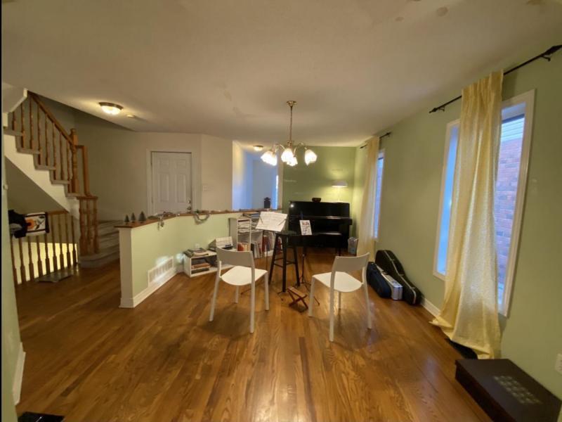 Living Room - Pianoside
