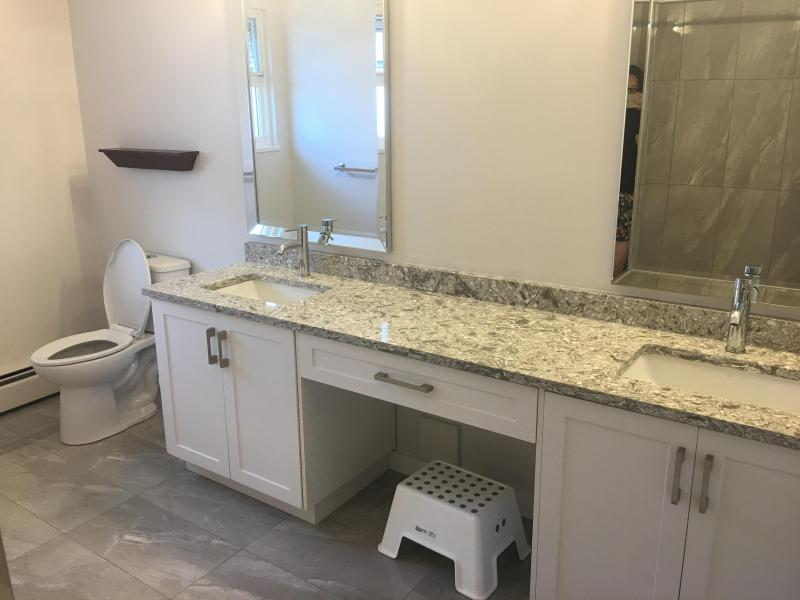 The big bright clean shared bathroom for 2 adults!!