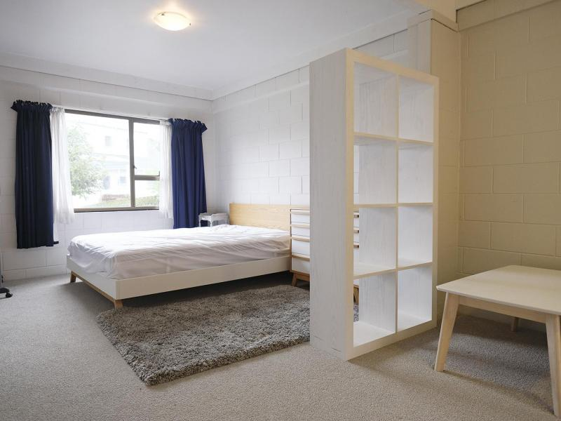 Private and Peaceful Living - Studio Bedroom