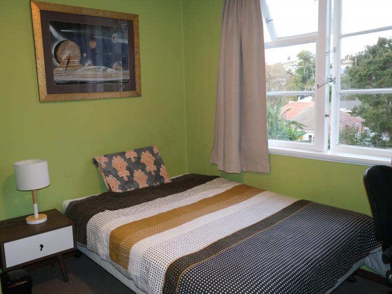Room2-2