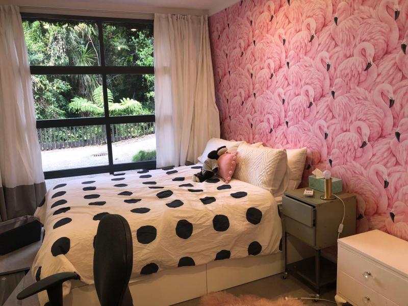 Flamingo room