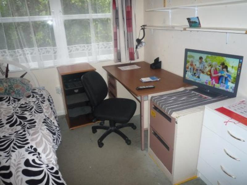 Fully furnished, warm room with single bed, desk & 'wifi'  $NZ270 per week
