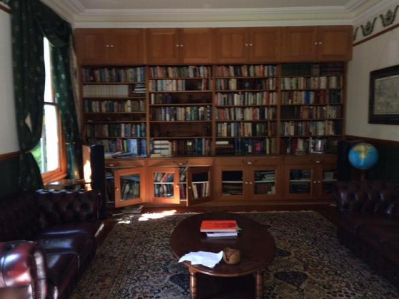 Library, pulldown big screen