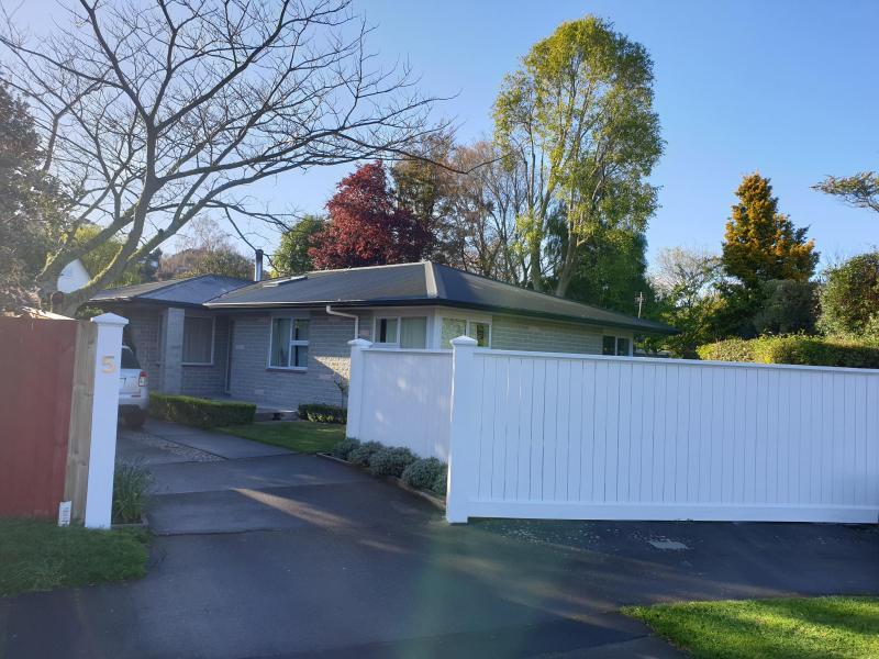 Cracroft, Cracroft , Canterbury, Christchurch, New Zealand Homestay