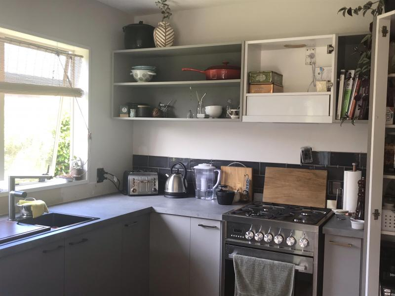 Fully equiped, modern Kitchen. Gas cooker